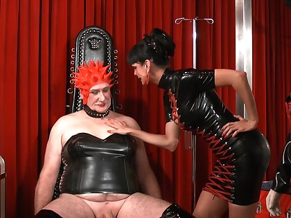A dude enjoys BDSM kinky games with Rosi Rosetta and Carmen Rivera
