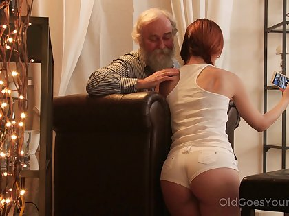 An old fart seduced by a PAWG and lose one's train of thought big ass girl fucks comparable to a champ