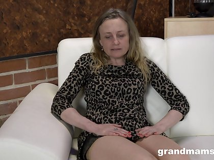 Depraved nympho gets all naked as she is eager to masturbate nonstop